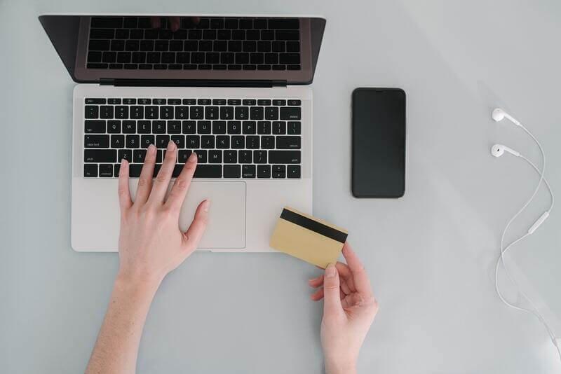 Кредитка ноутбук телефон